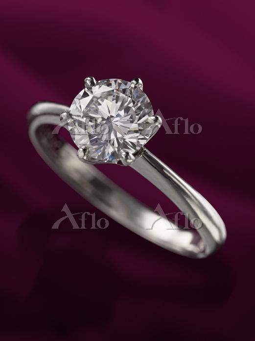 1caratのダイヤの指輪 IF VG