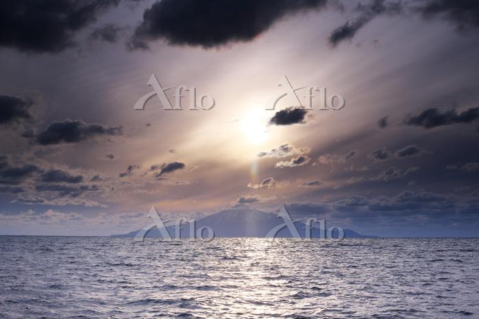 北海道 利尻島の日没と太平洋
