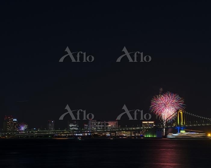 東京都 お台場 レインボー花火2015