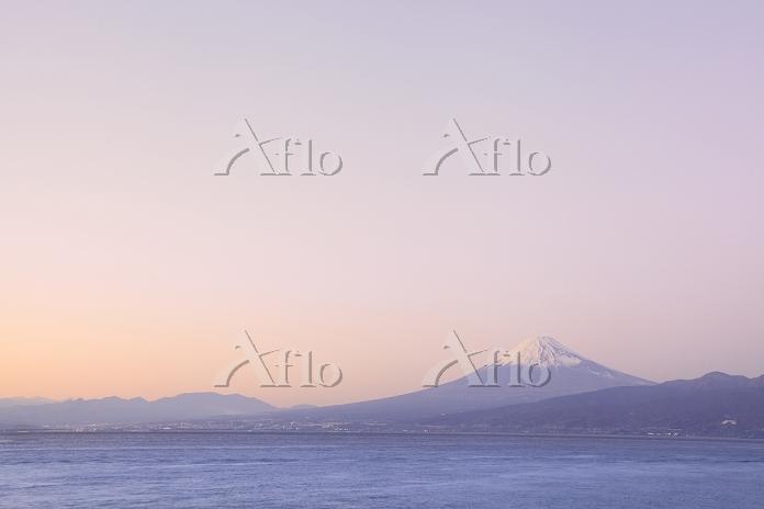 静岡県 大瀬崎 夕映えの富士山と駿河湾