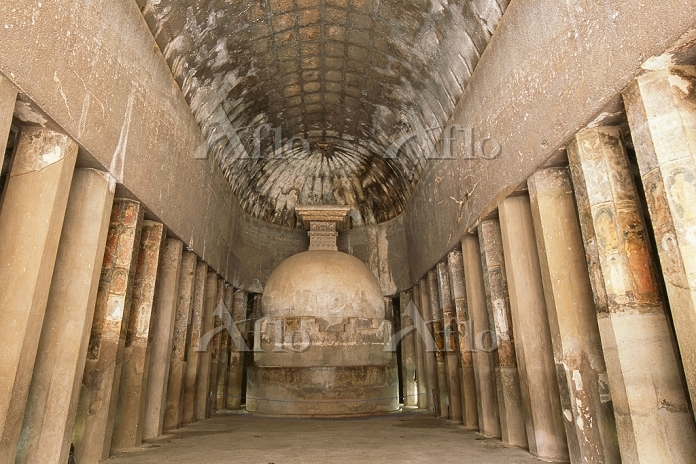 インド アジャンタ石窟群 第10窟 礼拝窟