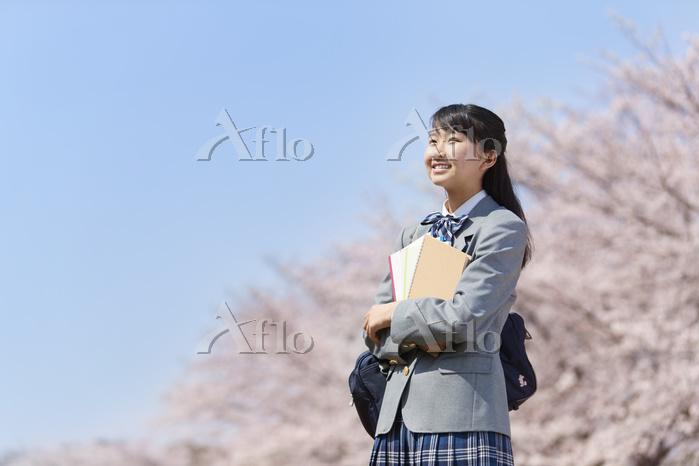 桜咲く春の女子中学生