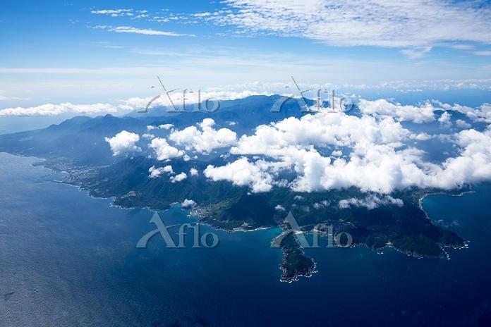 屋久島全景 一湊港周辺より南方面