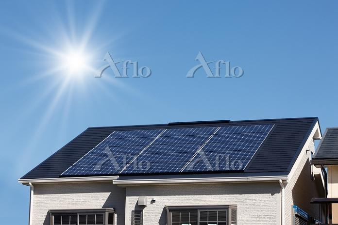 ソーラーパネルと太陽