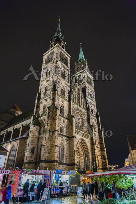 ドイツ ニュールンベルク 聖ローレンツ教会 クリスマスマーケ・・・