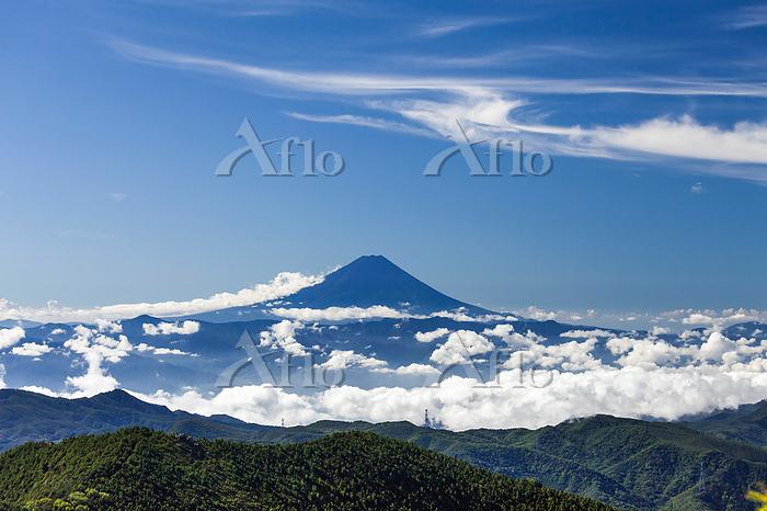 雲と富士山 金峰山 登山道