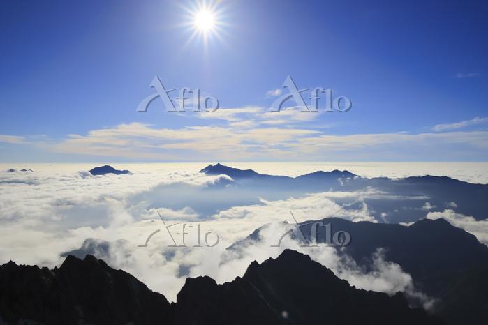 北アルプス剱岳より望む鹿島槍ヶ岳と爺ヶ岳と黒部別山
