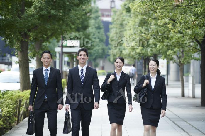 通勤するビジネスマン