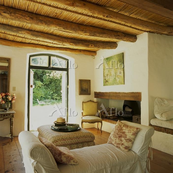Living room in Cape Dutch hous・・・