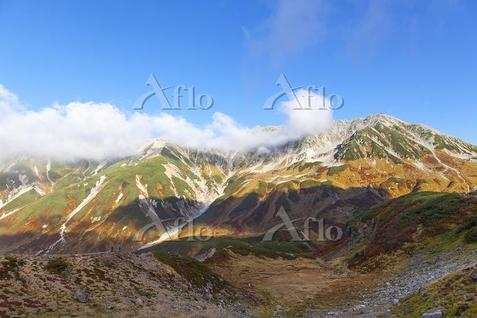 紅葉した立山