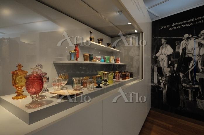 ドイツ カールスルーエ城内 バーデン地方博物館 ガラス工芸の・・・