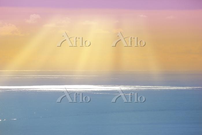 東京都 小笠原諸島 父島 三日月山展望台から望む輝く太平洋