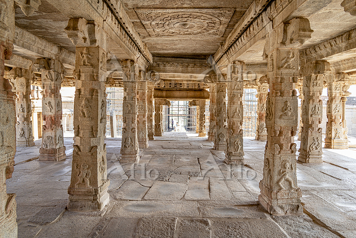 View through portico in Indian・・・
