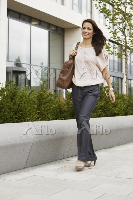 Business Woman walking on boar・・・