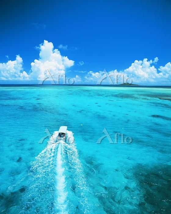 沖縄県 夏の宮古列島と海