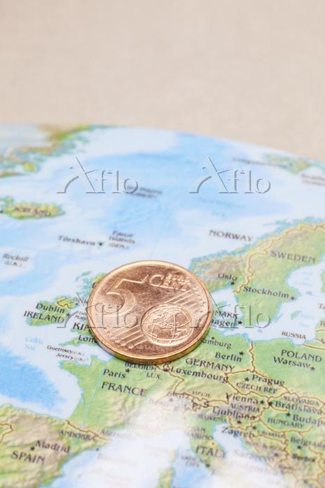 コインと地図