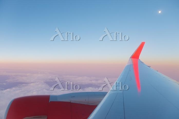 2015より運行のエアカナダルージュの翼 関西→バンクーバー
