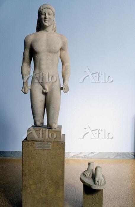 アテネ 彫刻 不思議