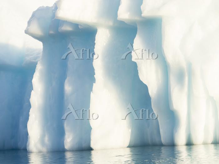 Icebergs in the  Uummannaq fjo・・・