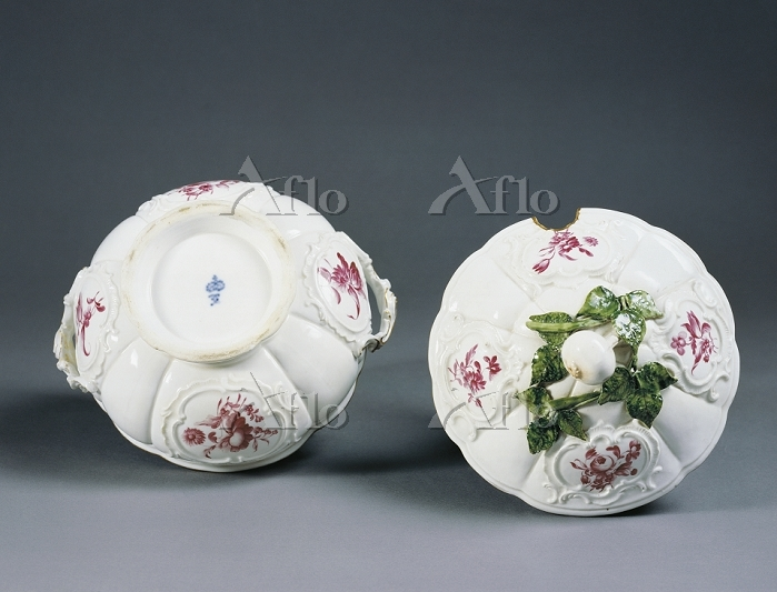 Decorative Arts - Germany - 18・・・