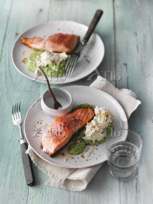 Salmon fillet with broccoli pu・・・