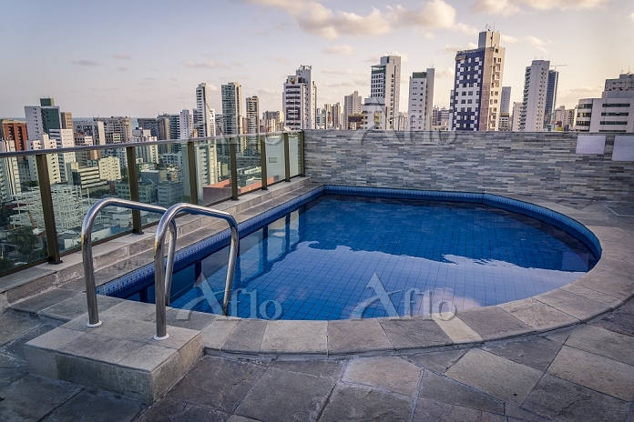 Swimming pool on top of a skys・・・