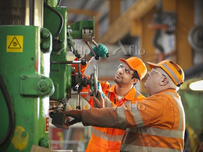 工場のエンジニア