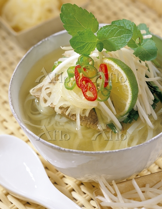 Rice noodle soup with vegetabl・・・