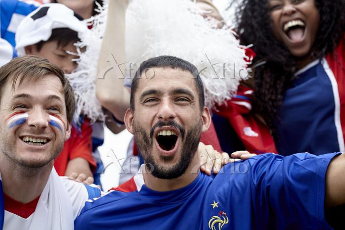 フランスを応援する観客