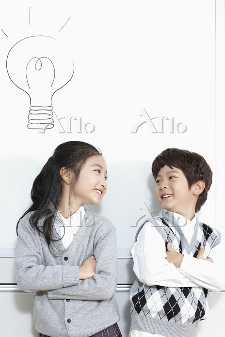 girl and boy student standing ・・・