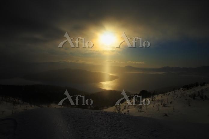 北海道 サンピラー屈斜路湖 日の出 美幌峠 地吹雪