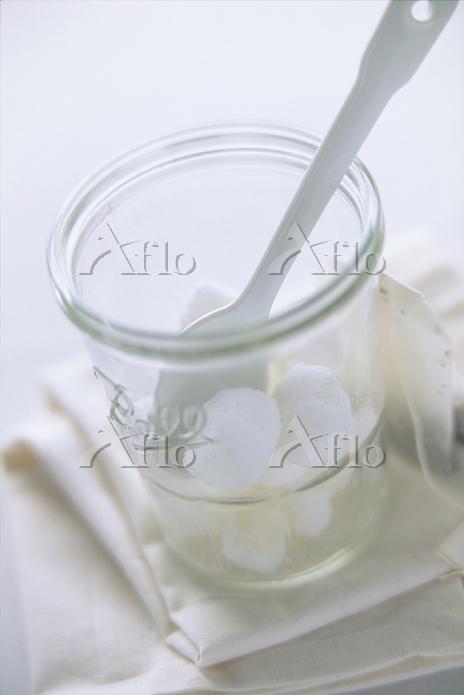 グラスとシュガー 白のイメージ