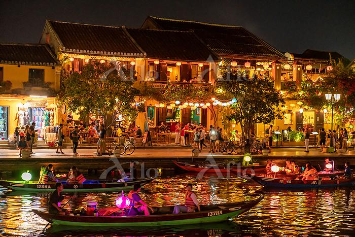ベトナム ホイアンのランタン祭り