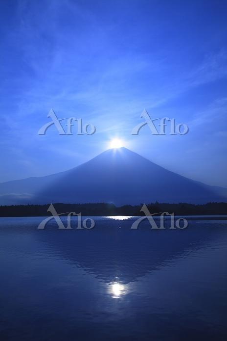静岡県 富士宮市 田貫湖 ダイアモンド富士と湖