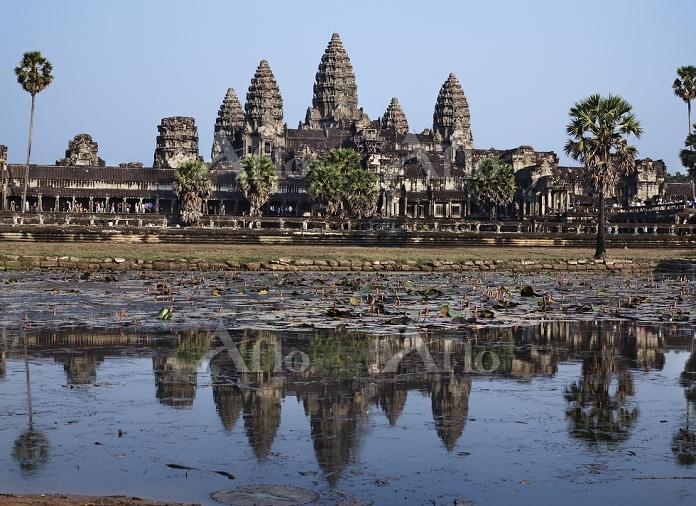 カンボジア シェムリアップ アンコール・ワットと聖池