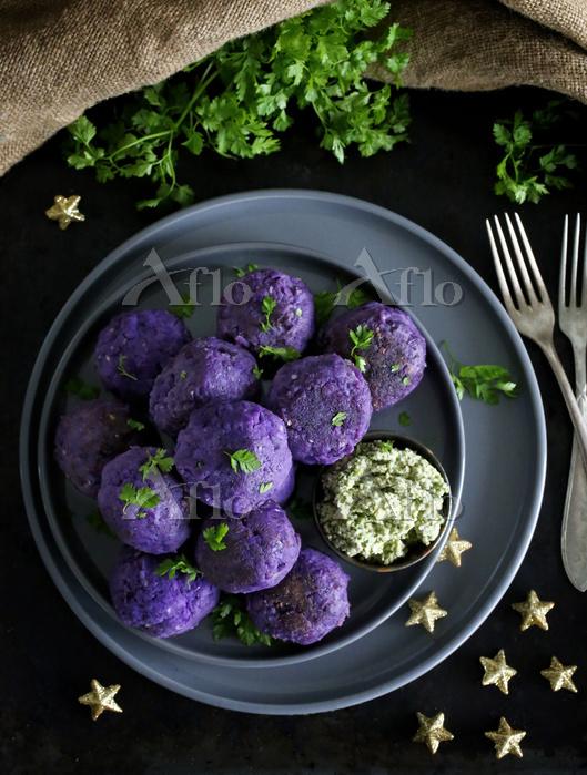 Kartoffel-B辰llchen mit Cashew-・・・