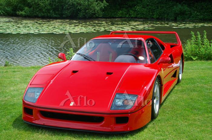 赤のフェラーリF40