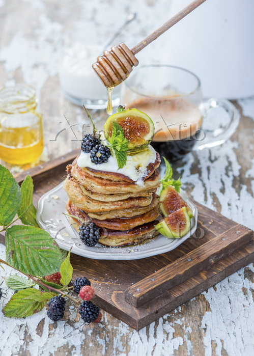 Wholemeal pancakes with figs, ・・・