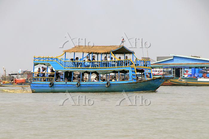 観光クルーズ船 カンボジア