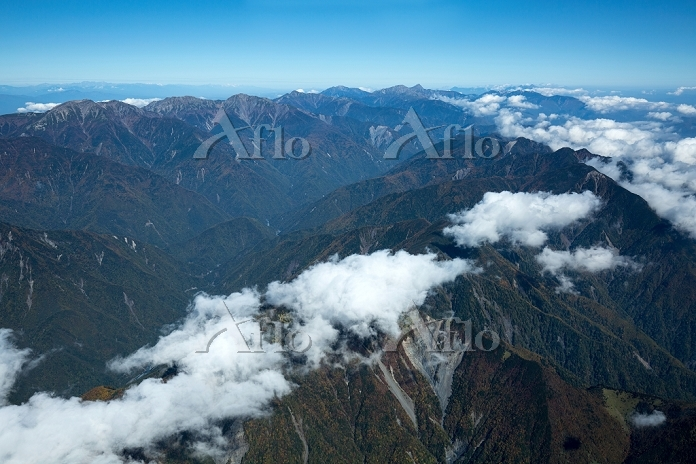 静岡県 南アルプス山並み 青笹山より後方赤石岳 北岳方面