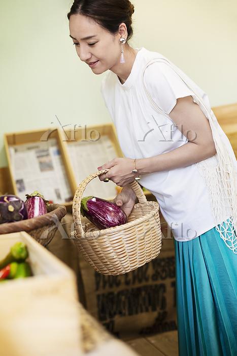 Japanese women shopping fresh ・・・