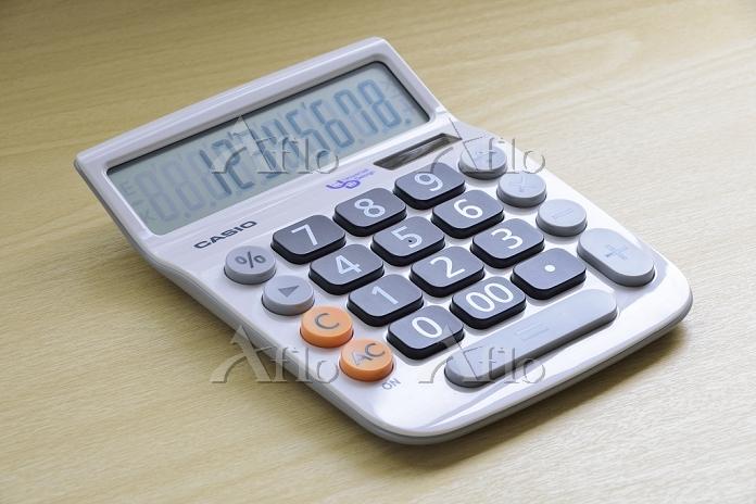 ユニバーサルデザインの電卓