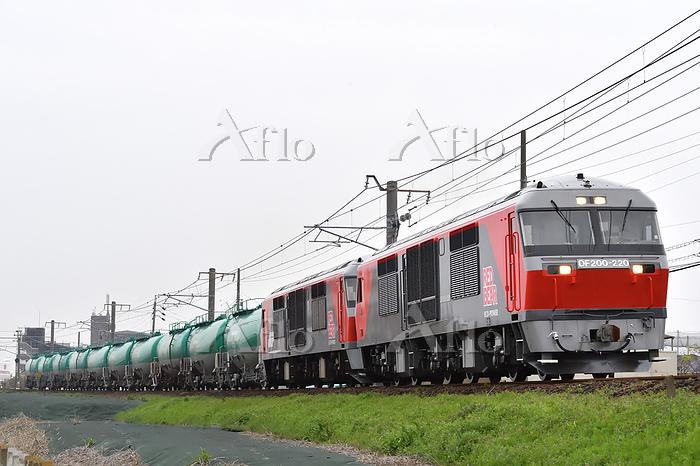 愛知県 関西本線 DF200重連牽引貨物列車
