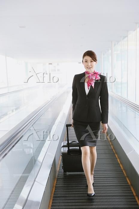 フライトアテンダントの日本人女性