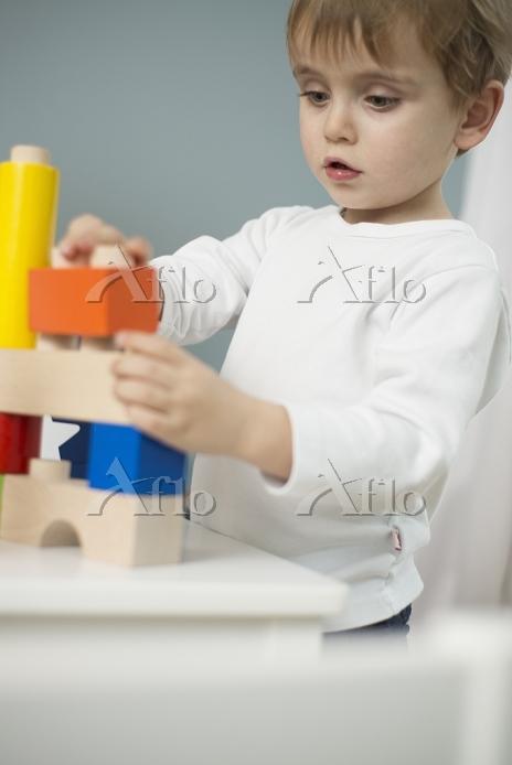 子供部屋の男の子