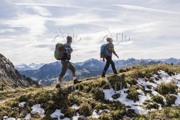 トレッキング ハイキング