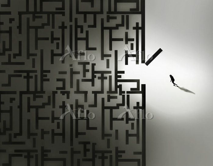Woman entering dark maze by Ga・・・