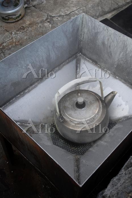 鹿児島県 鰻池のスメ(地熱蒸し器)