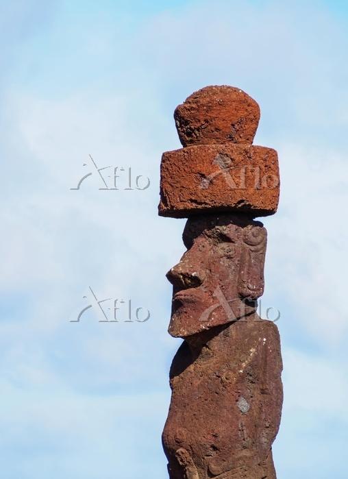 Modern Moai in Hanga Roa, East・・・