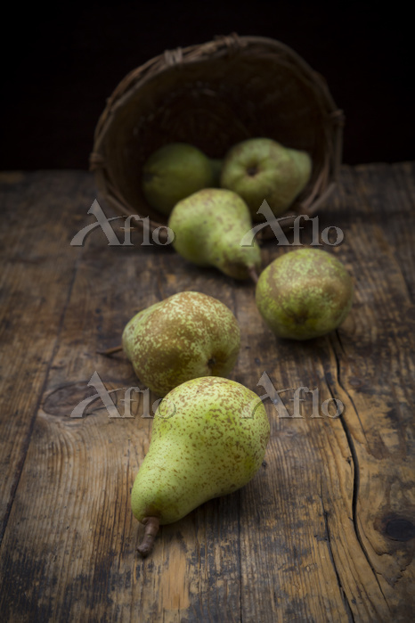 Organic pears 'Conference' on ・・・